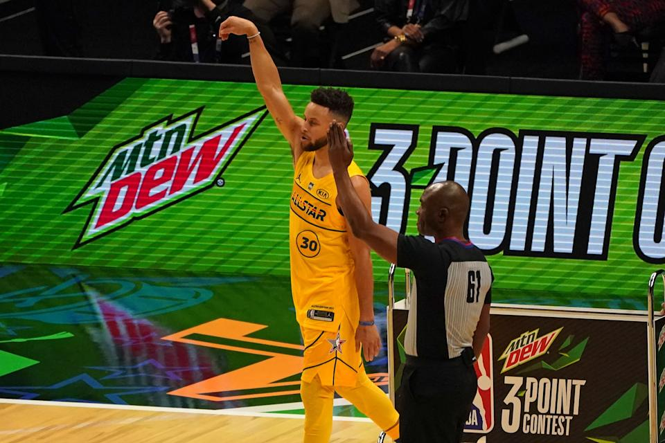 Stephen Curry in the MTN DEW 3-Point Contest during the 2021 NBA All-Star Game