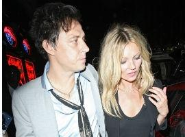 Kate Moss Dresses Like A Rock Chick For Hubby Hince