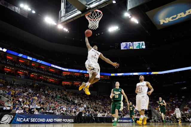 LOUISVILLE, KY - MARCH 15: Isaiah Canaan #3 of the Murray State Racers goes up for the dunk against Wes Eikmeier #10 of the Colorado State Rams during the second round of the 2012 NCAA Men's Basketball Tournament at KFC YUM! Center on March 15, 2012 in Louisville, Kentucky. (Photo by Andy Lyons/Getty Images)