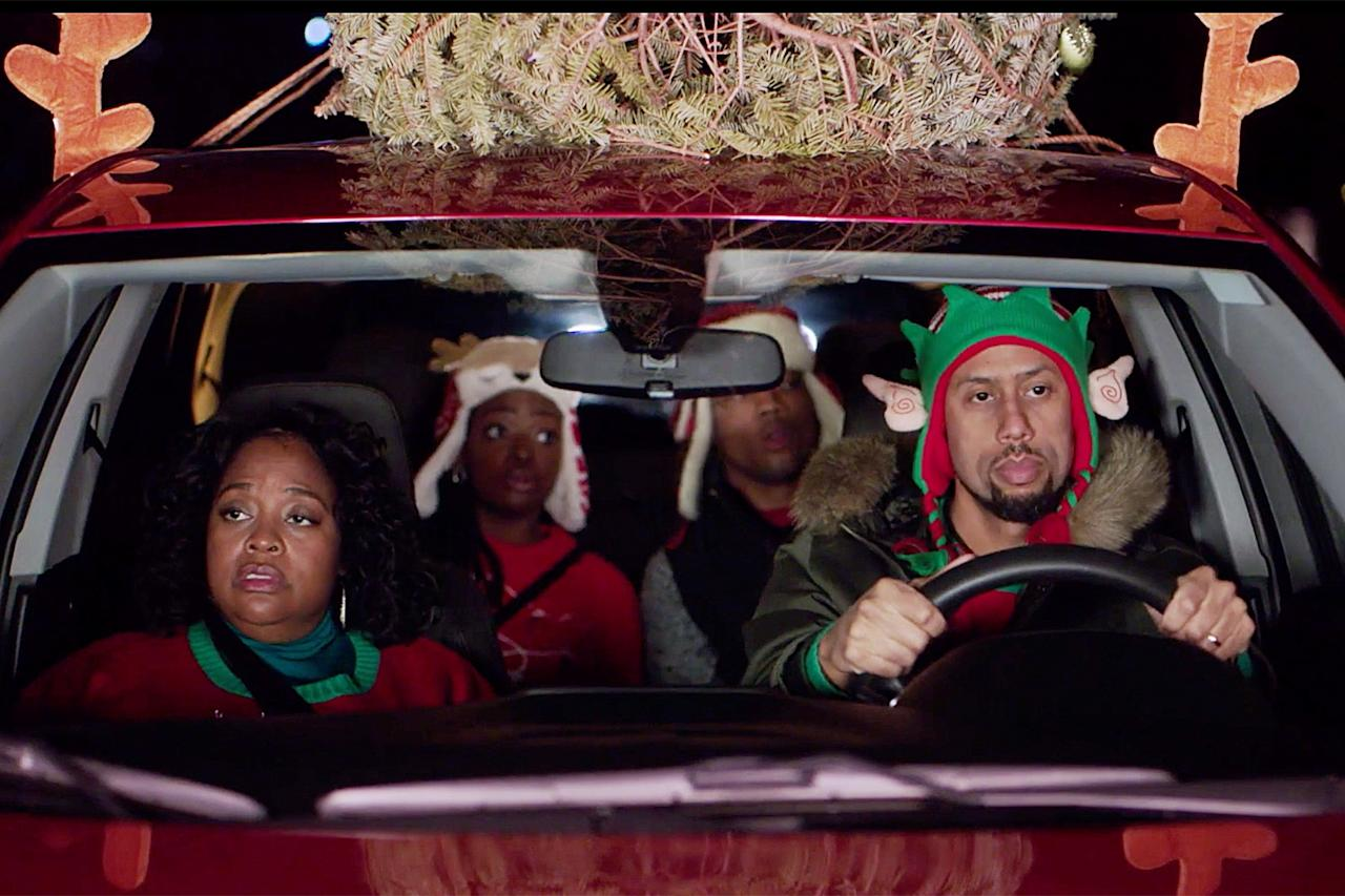 """<strong>Stars:</strong> Sherri Shepard, Cynthia McWilliams, Malachi Malik, Affion Crockett, Victoria Rowell  <strong>Contains</strong>: Vacation doublebooking crisis, clash of the families  <strong>Official synopsis:</strong> """"When polar opposite families book the same vacation home for the Christmas holiday, chaos and confusion ensue as they both attempt to celebrate the holiday in their own way under the same roof."""""""