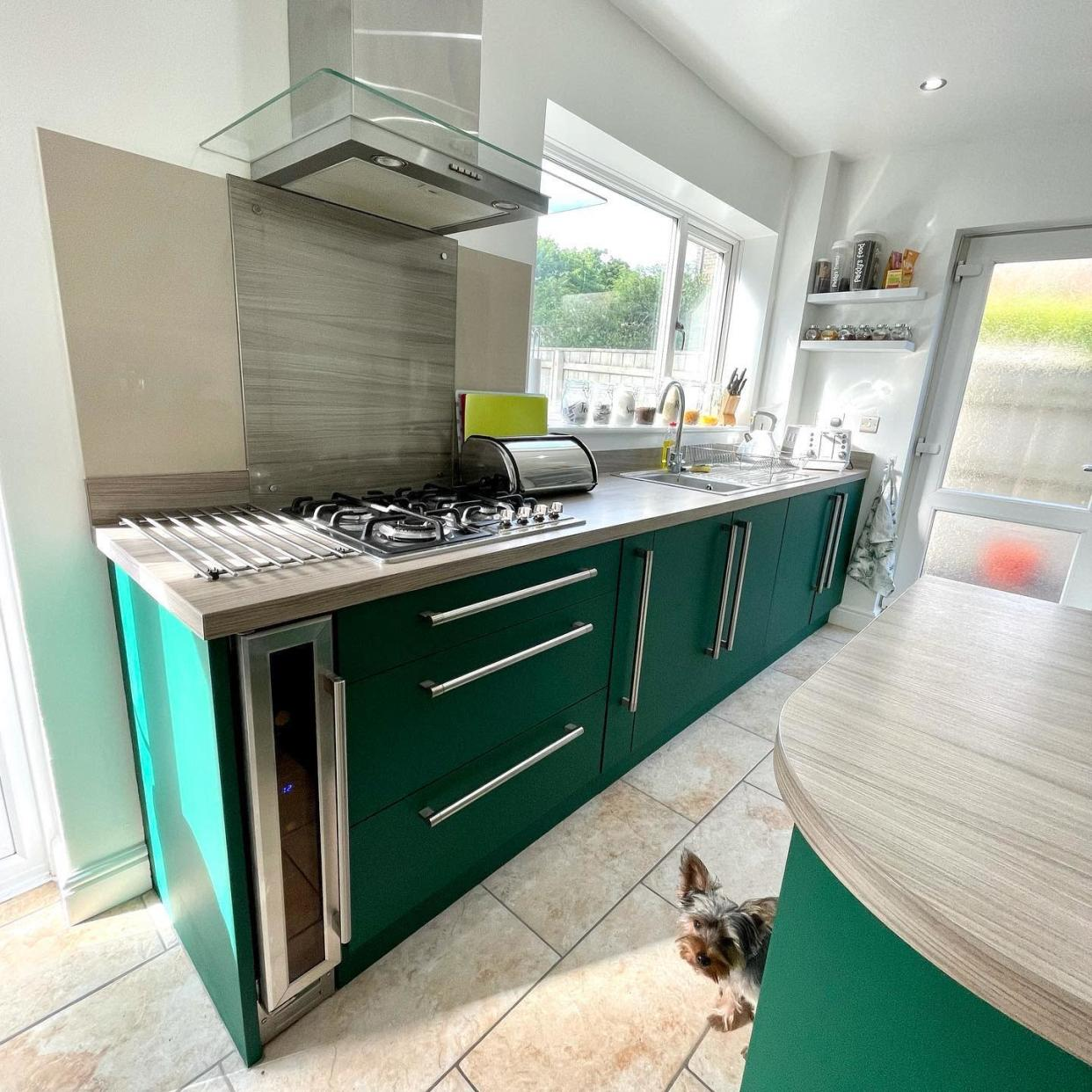 The kitchen was given a fresh new look. (Latestdeals.co.uk)