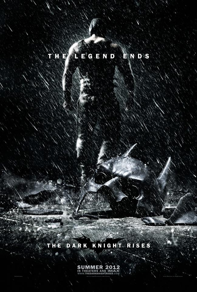 <b>The Best: THE DARK KNIGHT RISES</b><br><br>While there were several amazing 'Dark Knight Rises' banners that could have made this list, this ominous teaser perfectly captures the epic conclusion of Christopher Nolan's Batman trilogy.