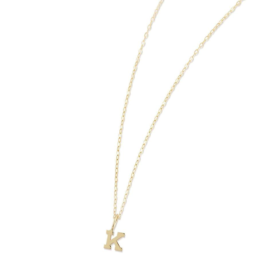 "<p><strong>Mateo New York</strong></p><p>mateonewyork.com</p><p><strong>$225.00</strong></p><p><a href=""https://mateonewyork.com/products/14kt-gold-initial-necklace"" rel=""nofollow noopener"" target=""_blank"" data-ylk=""slk:Shop It"" class=""link rapid-noclick-resp"">Shop It</a></p><p>Made in New York, this custom initial necklace is the perfect barely-there accessory for a chic, gold-loving best friend.</p>"