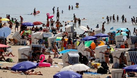 People cool off as temperatures reach new record highs at Berlin's Wannsee lido