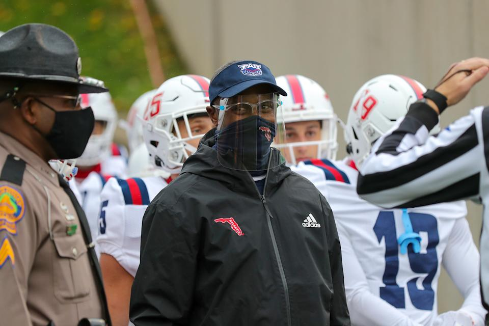 HUNTINGTON, WV - OCTOBER 24: Florida Atlantic Owls head coach Willie Taggart prepares to lead his team on to the field prior to the college football game between the Florida Atlantic Owls and the Marshall Thundering Herd on October 24, 2020, at Joan C. Edwards Stadium in Huntington, WV. (Photo by Frank Jansky/Icon Sportswire via Getty Images)