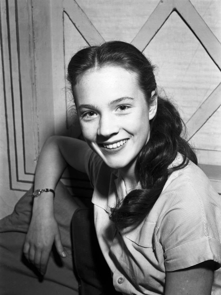 """<p>Julie Andrews at age 14. It was during this period that Andrews was a part of the cast of BBC's Light Programme comedy show """"Educating Archie.""""</p>"""