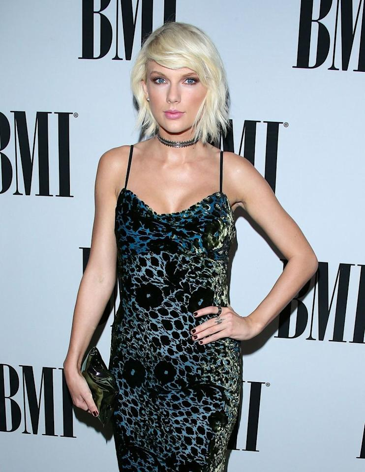 "<p>In 2016, Taylor Swift <a rel=""nofollow"" href=""http://www.elle.com/fashion/celebrity-style/a35683/taylor-swift-declares-choker-the-new-flower-crown/"">wondered if the choker was going the way of the flower crown</a>. Things got pretty quiet for homegirl after that (before they became explosively loud around her record release), so people continued to constrict their necks with bits of ribbon and shoelaces. But not for much longer, as evidenced by the choker's crossover into <a rel=""nofollow"" href=""https://me.me/i/chokers-throughout-the-years-2-01-4-2015-2016-2017-5251654"">memes featuring neck braces</a>. It's time.</p><p><strong>'In' Alternative: </strong>Honestly, you're better off still focusing on earrings.<span></span></p>"