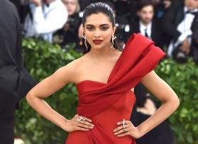 Deepika Padukone wants this dress worn by Victoria Beckham, see pic