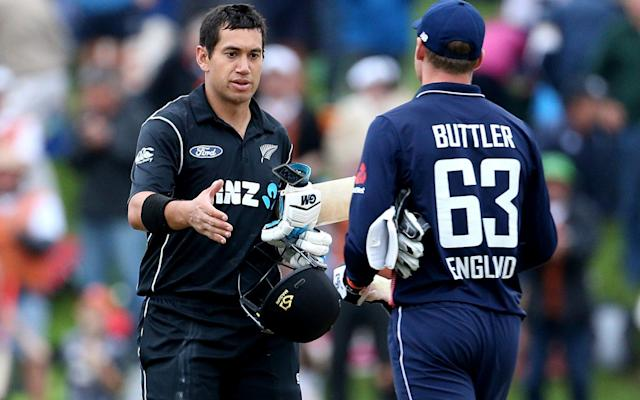 <span>Jos Buttler congratulates Ross Taylor</span> <span>Credit: GETTY IMAGES </span>