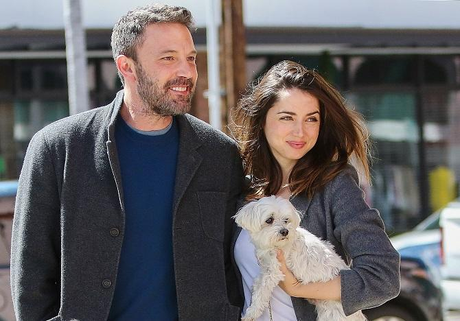 Ben Affleck y Ana De Armas en Brentwood, California (Splash News, Copyright: GTRES)