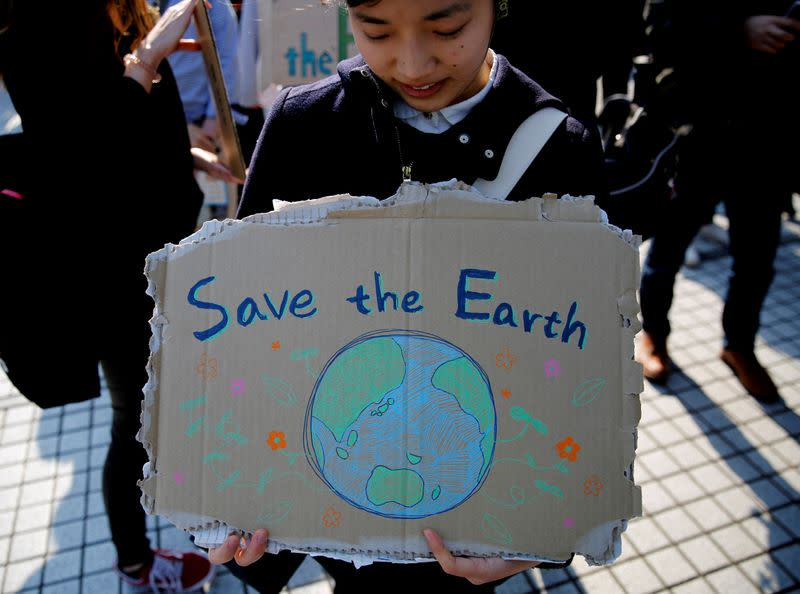 Japan submits updated emissions plan, leaving carbon target unchanged