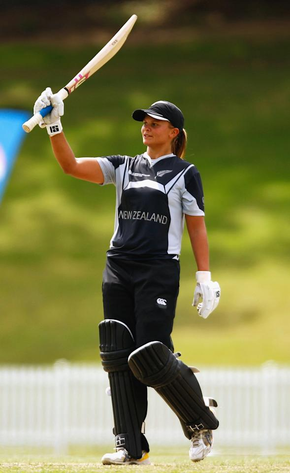 SYDNEY, AUSTRALIA - MARCH 19: Suzie Bates of New Zealand celebrates scoring 150 runs during the ICC Women`s World Cup 2009 Super Six match between New Zealand and Pakistan at Drummoyne Oval on March 19, 2009 in Sydney, Australia.  (Photo by Brendon Thorne/Getty Images)