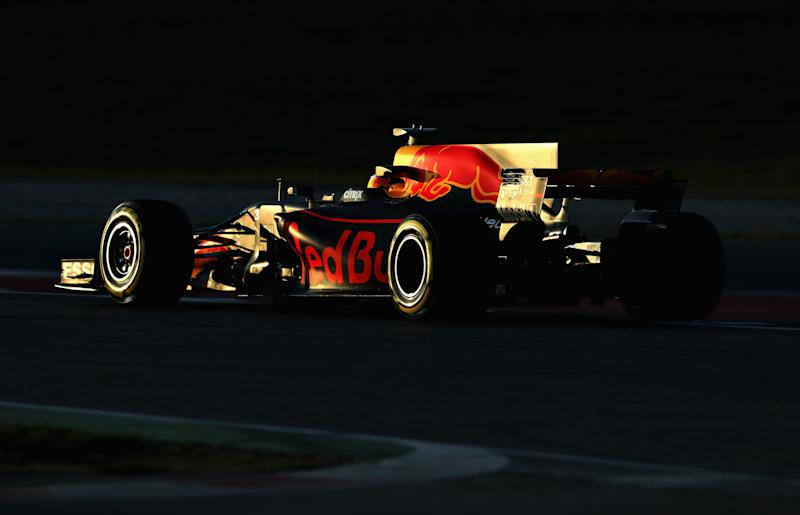 McLaren, Red Bull Struggle in F1 Testing