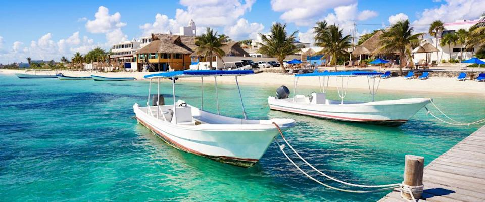 Sun and crystal clear waters in Puerto Morelos