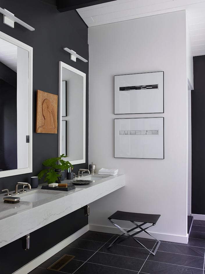 """<div class=""""caption""""> The sleek main bath is one of Smyth's favorite spots. """"I've always wanted a fabulous bathroom,"""" he says. """"And this one has a beautiful view."""" </div>"""