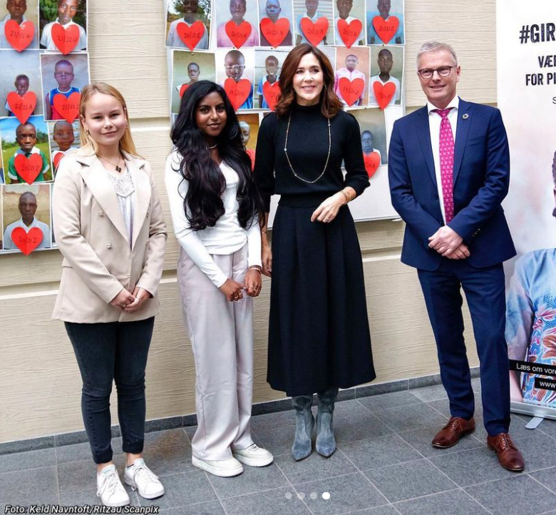 Princess Mary with students at Nærum High School