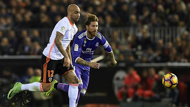 Simone Zaza has signed a contract with Valencia until 2021 after the Spanish club activated their option to sign him from Juventus.