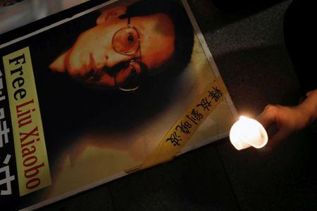 Foreign doctors say sick Chinese dissident Liu Xiaobo can be taken overseas