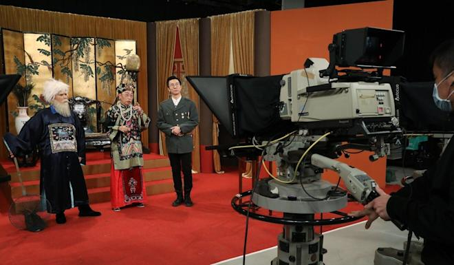 Cuson Law (left), Ng Chi-sum, and Tsang Chi-ho (right), on set for the production of the last episode of the satirical show Headliner, which was criticised for insulting police. Photo: Dickson Lee