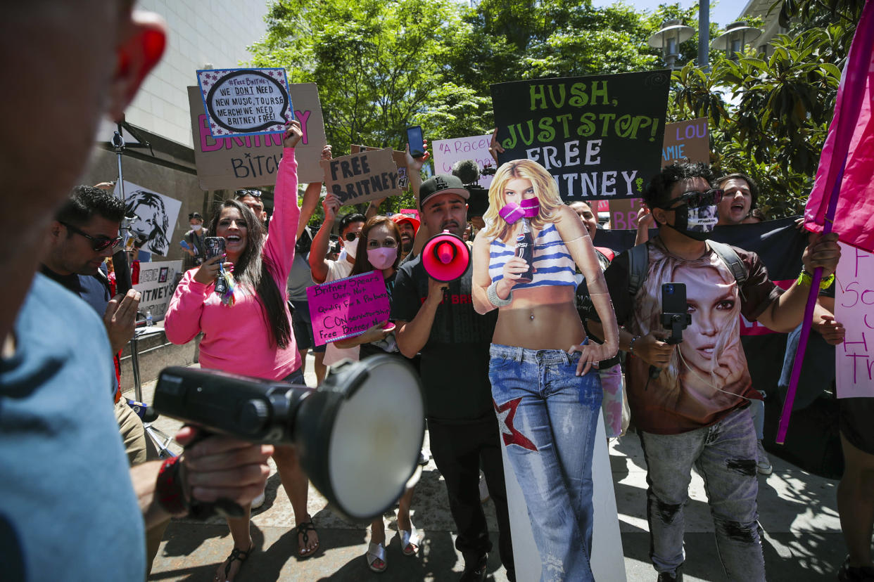 Los Angeles, CA - June 23: Supporters of Britney Spears rally as hearing on the Britney Spears conservatorship case takes place Stanley Mosk Courthouse on Wednesday, June 23, 2021 in Los Angeles, CA. (Irfan Khan / Los Angeles Times via Getty Images)
