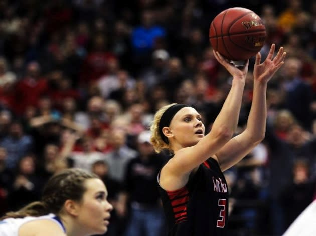 NRHEG's Carlie Wagner releases her game-winning free throw — Associated Press via Minneapolis Star Tribune