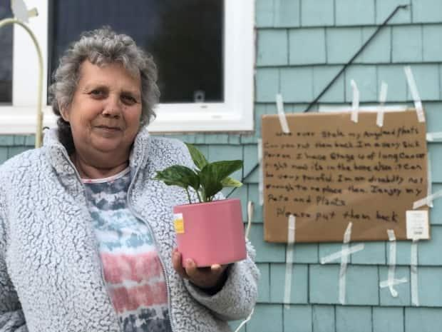 Rose Anne Shepard says she is overwhelmed with the thoughtfulness Islanders have shown her. (Nicola MacLeod/CBC - image credit)