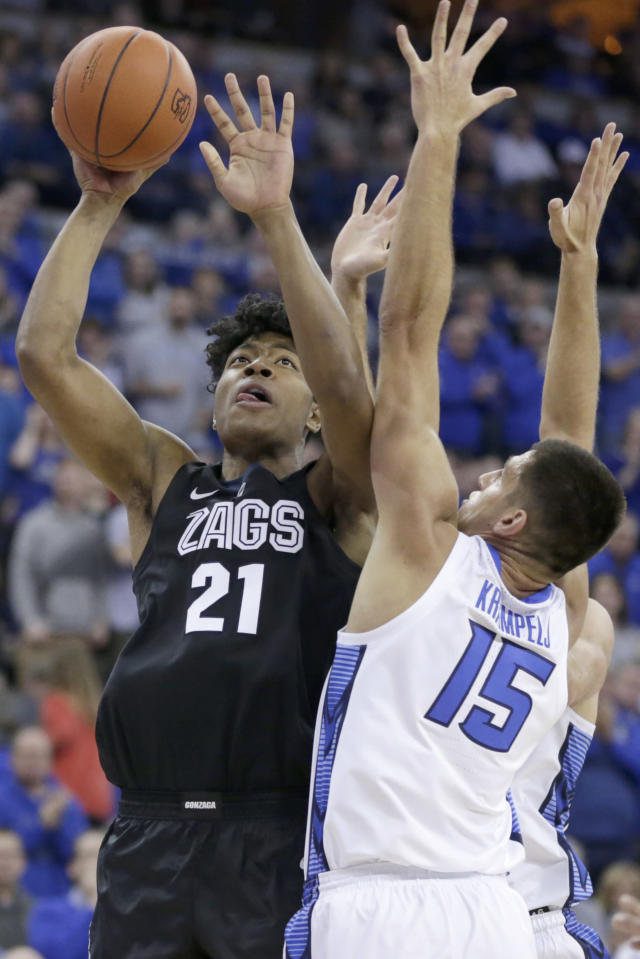 Gonzaga's Rui Hachimura (21) shoots to the basket against Creighton's MartinKrampelj (15) during the first half of an NCAA college basketball game in Omaha, Neb., Saturday, Dec. 1, 2018. (AP Photo/Nati Harnik)