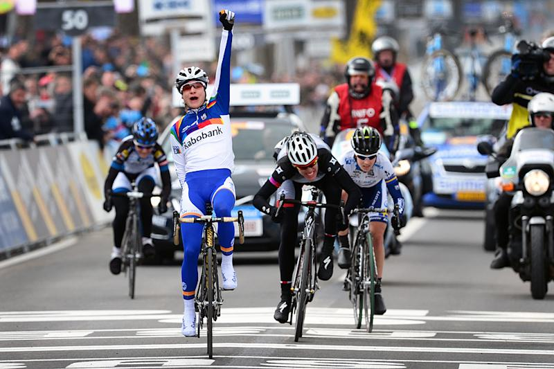 Marianne Vos wins the 2013 Tour of Flanders