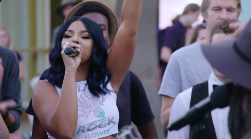 Ashanti 'Crashed' A Street Performance And It Was Amazing
