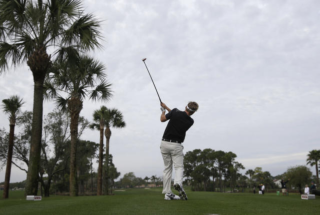 Russell Henley tees off on the fourth hole during the second round of the Honda Classic golf tournament, Friday, Feb. 28, 2014, in Palm Beach Gardens, Fla. (AP Photo/Lynne Sladky)