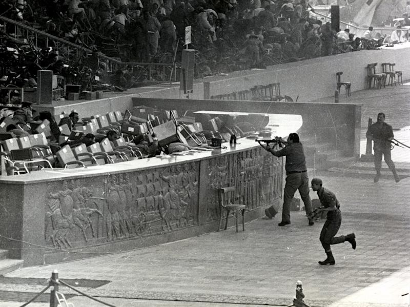 <strong>Photograph taken during the assassination of Anwar Sadat (1918-1981).</strong> (Photo: Universal History Archive via Getty Images)