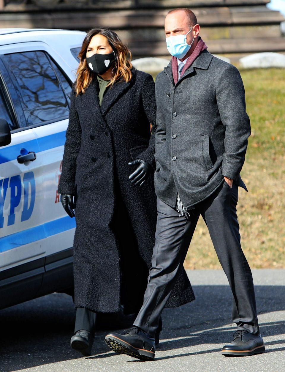 <p>Mariska Hargitay and Christopher Meloni reunite on the set of <em>Law and Order: SVU</em> on Monday in N.Y.C.</p>