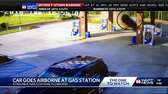 Woman charged with DUI after crashing into Marathon gas station in Flowood.