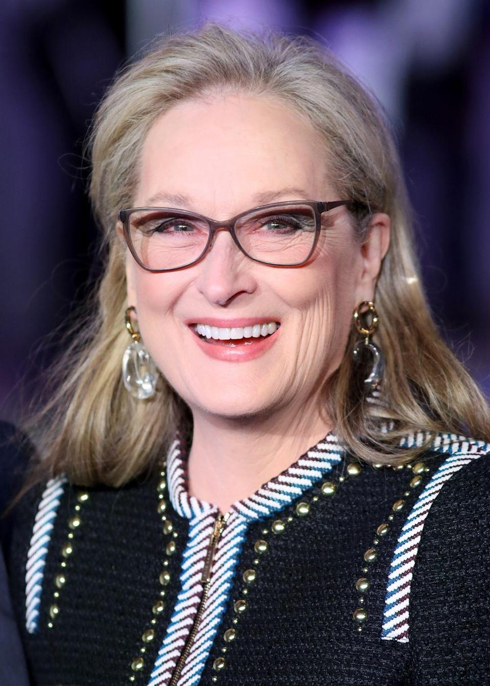 <p>Meryl Streep is one of many celebrities to embrace they gray roots in 2020. Let your gray roots blend with your soft blonde base for an ashy blonde look for autumn.</p>