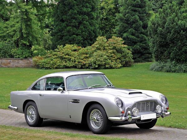 ASTON MARTIN DB5在1963年首次亮相,由義大利著名設計工作室Carrozzeria Touring Superleggera所設計。