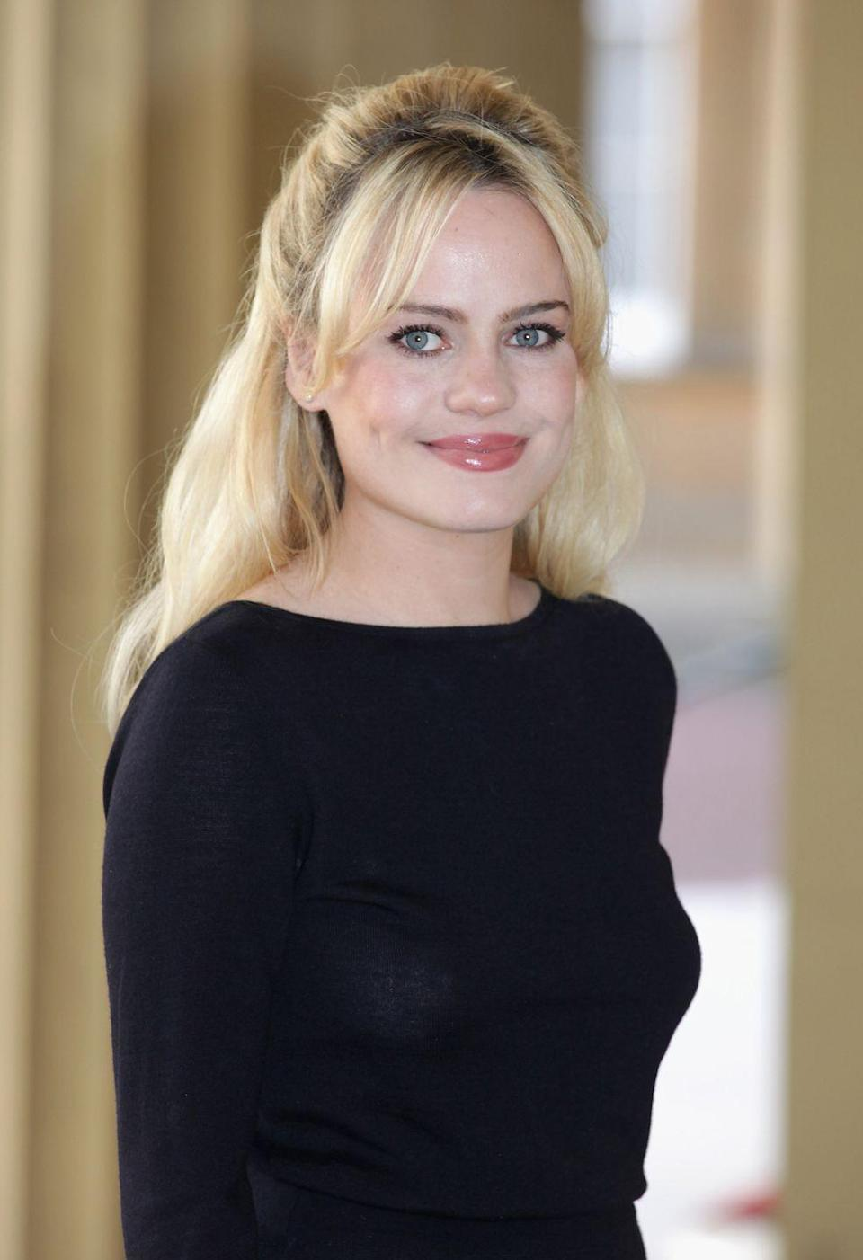 """<p>The Welsh """"Mercy"""" singer, known as Duffy, <a href=""""http://www.mirror.co.uk/3am/celebrity-news/duffy-reunited-with-twin-sister-297058"""" rel=""""nofollow noopener"""" target=""""_blank"""" data-ylk=""""slk:has a twin sister"""" class=""""link rapid-noclick-resp"""">has a twin sister</a> named Katy. However, the sisters didn't grow up together, as their parents divorced when they were 10 and Duffy eventually moved in with her father, while Katy lived with their mother.</p>"""