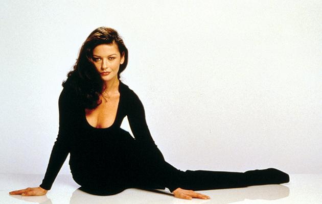 "Catherine Zeta Jones as Virginia ""Gin"" Baker<br>""<a href=""http://movies.yahoo.com/movie/entrapment/"">Entrapment</a>"" (1999)<br>"