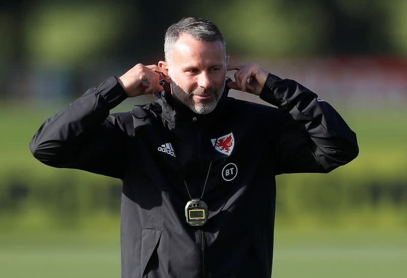 Giggs boosts chances of becoming Man Utd manager, says Hughes