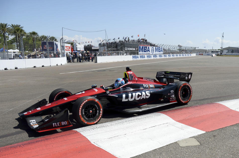 Robert Wickens leads into Turn 2 during the IndyCar Firestone Grand Prix of St. Petersburg, Sunday, March 11, 2018, in St. Petersburg, Fla. (AP Photo/Jason Behnken)
