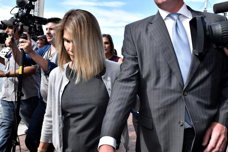 Lori Loughlin leaves the federal courthouse after a hearing on charges in a nationwide college admissions cheating scheme in Boston, Mass, U.S., Aug. 27, 2019. (Photo: REUTERS/Josh Reynolds)