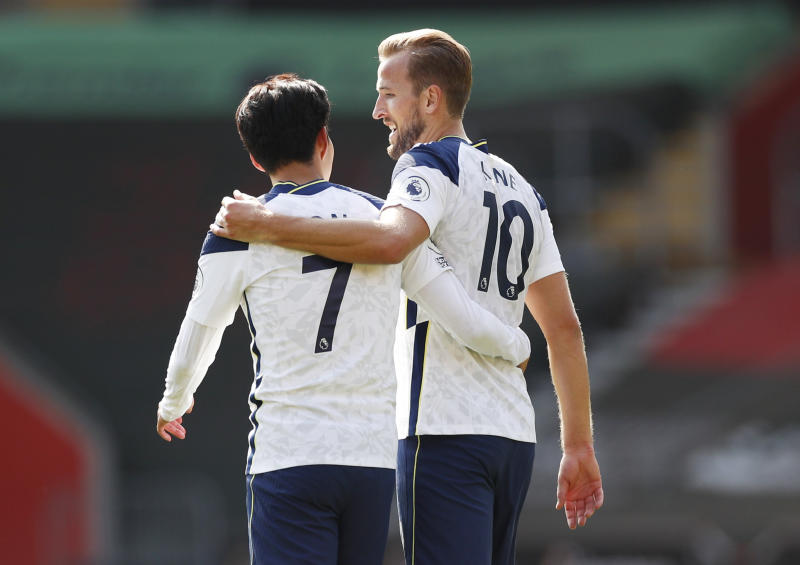 Harry Kane (right), Son Heung-min (left) and their Tottenham Hotspur teammates advanced in the League Cup after fourth-tier Leyton Orient was forced to forfeit Tuesday's third-round match following a COVID-19 outbreak within its squad. (Reuters/Andrew Boyers)
