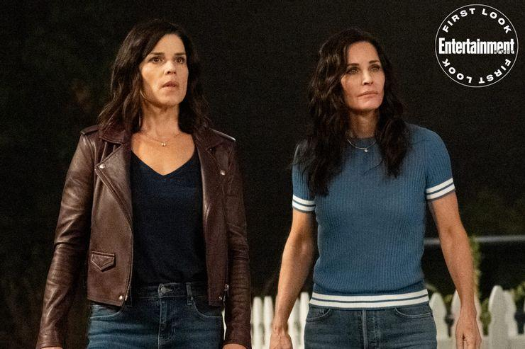 Take a look at the Scream 2022 first pictures below:
