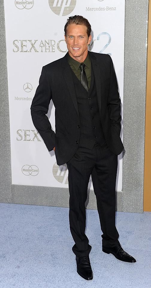 """<a href=""""http://movies.yahoo.com/movie/contributor/1804510666"""">Jason Lewis</a> at the New York City premiere of <a href=""""http://movies.yahoo.com/movie/1810111276/info"""">Sex and the City 2</a> - 05/24/2010"""