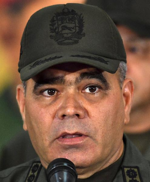 "Padrino says the military is on ""alert"" on Venezuela's border with Colombia (AFP Photo/YURI CORTEZ)"