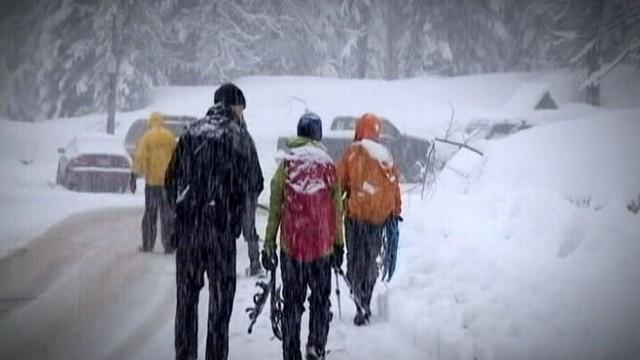 Snowshoer Lost in Cascade Mountain Avalanche