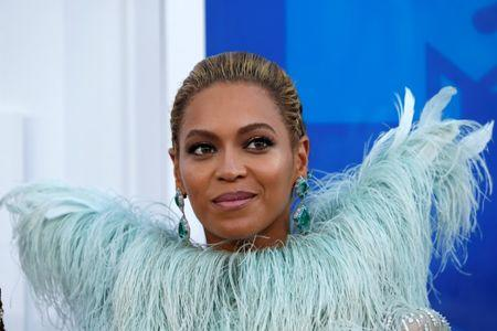 FILE PHOTO: Singer Beyonce arrives at the 2016 MTV Video Music Awards in New York, U.S., August 28, 2016.  REUTERS/Eduardo Munoz/File Photo