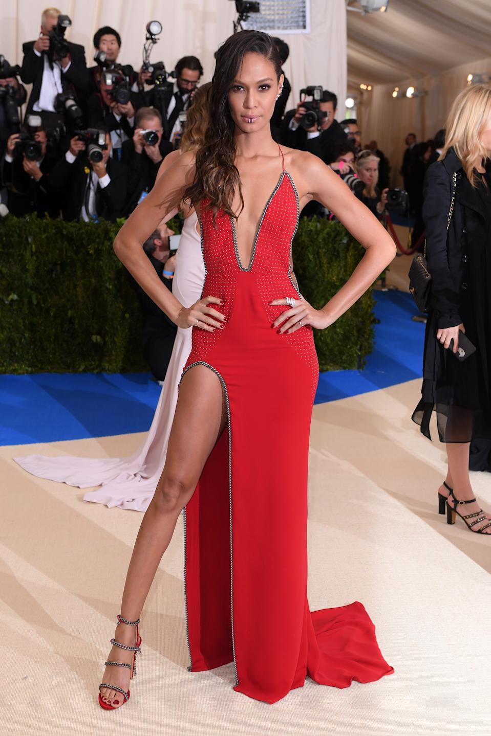 """<h1 class=""""title"""">Joan Smalls in Topshop with Anita Ko jewelry</h1><cite class=""""credit"""">Photo: Shutterstock</cite>"""