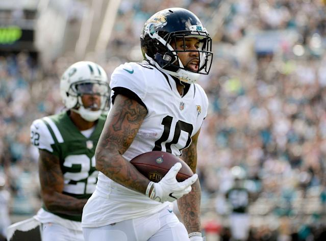 Donte Moncrief (10) had 48 catches for 668 yards last year for the Jacksonville Jaguars. Now he's reportedly headed to the Pittsburgh Steelers. (AP Photo/Phelan M. Ebenhack)