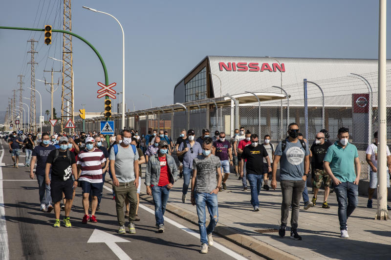 Protests of the workers affected by the close of Nissan car plant in Barcelona with more than 3000 direct employees, in Barcelona, on May 28, 2020. (Photo by Xavier Bonilla/NurPhoto via Getty Images)