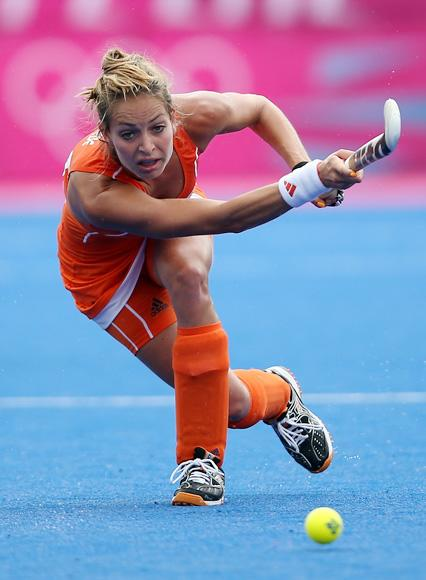 Eva De Goede of Netherlands in action during the Women's Pool WA Match W02 between the Netherlands and Belgium at the Hockey Centre on July 29, 2012 in London, England. (Photo by Daniel Berehulak/Getty Images)